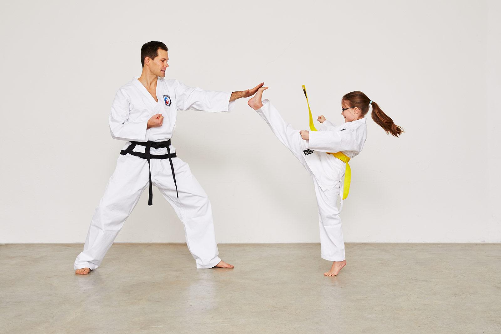 SAJA-Taekwondo-Gelbgurt_Maedchen_Apchagi_01