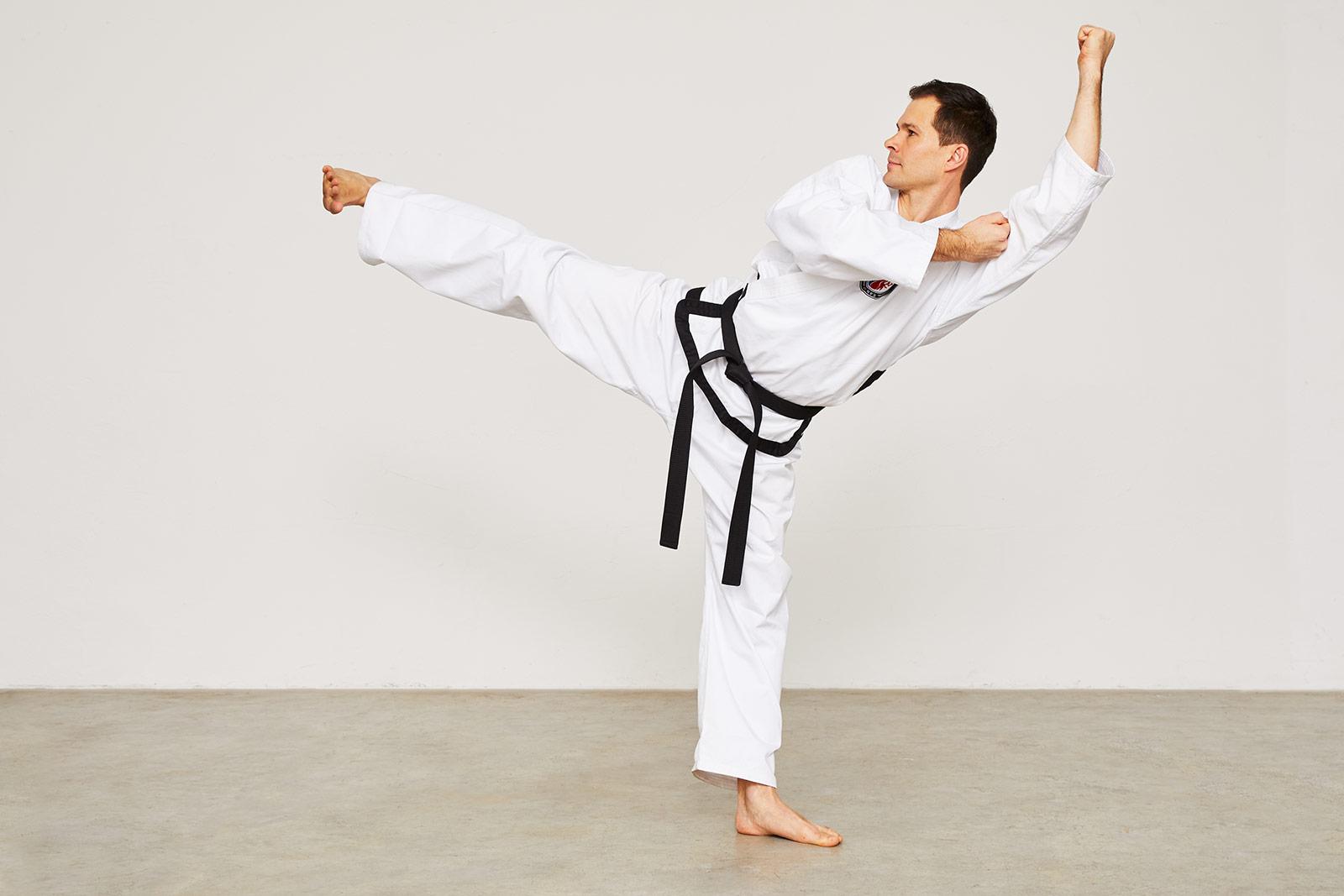 11. Hyong Kick