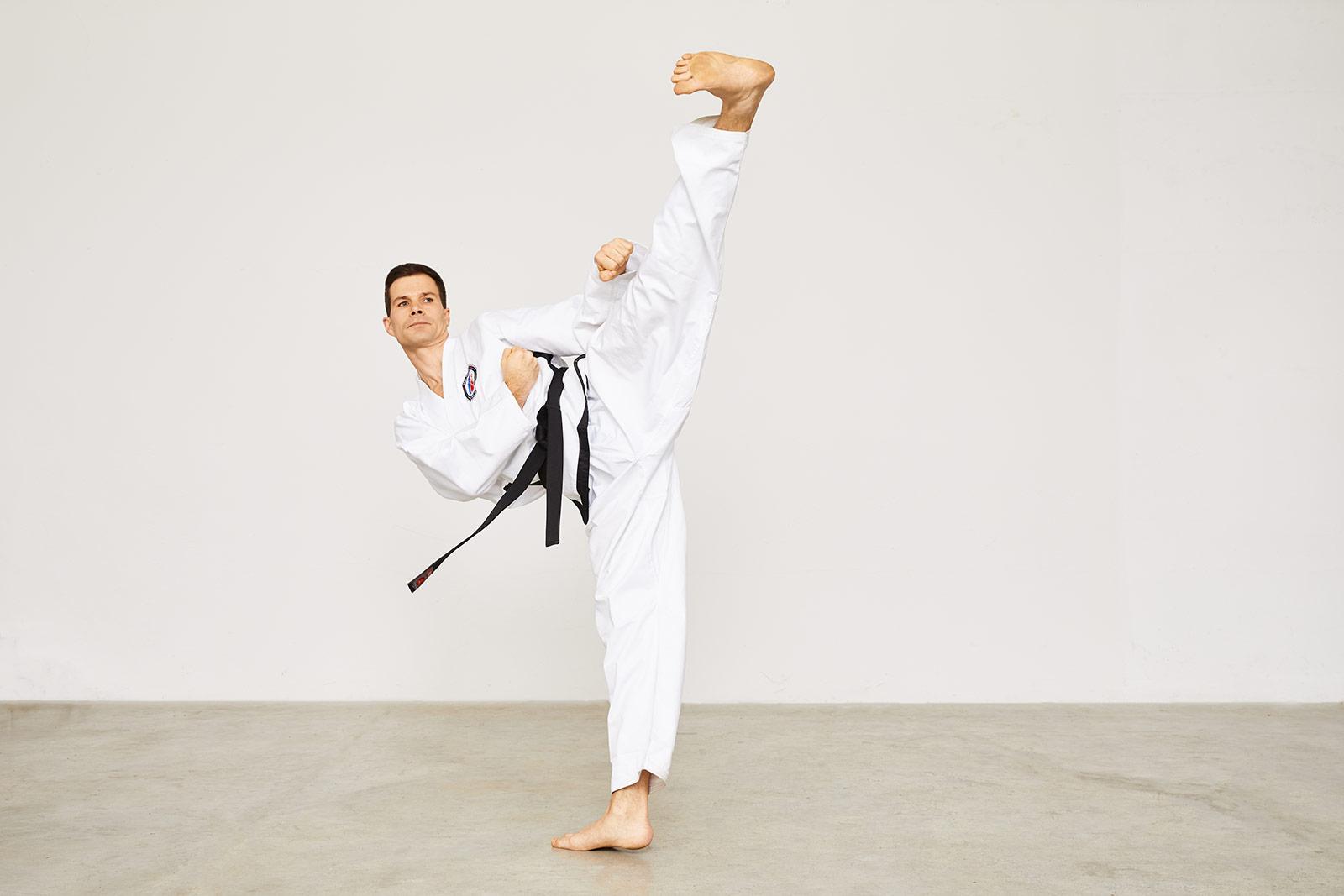 Taekwondo Schwarzgurt Jop-Chagi Schwarzgurt